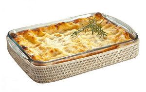ROTIN ET OSIER - léon pyrex et rotin - Baking Dish
