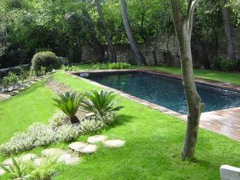 CARON PISCINES - classique avec escalier d'angle - Conventional Pool