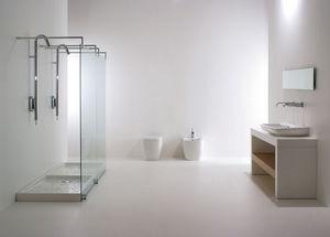 Complete shower enclosure