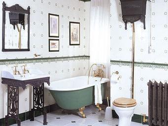 THE BATH WORKS - victorian - Freestanding Bathtub With Feet