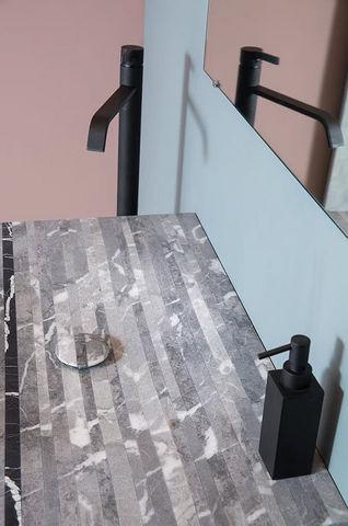 Maison Derudet - Freestanding basin-Maison Derudet-Bleu de Savoie