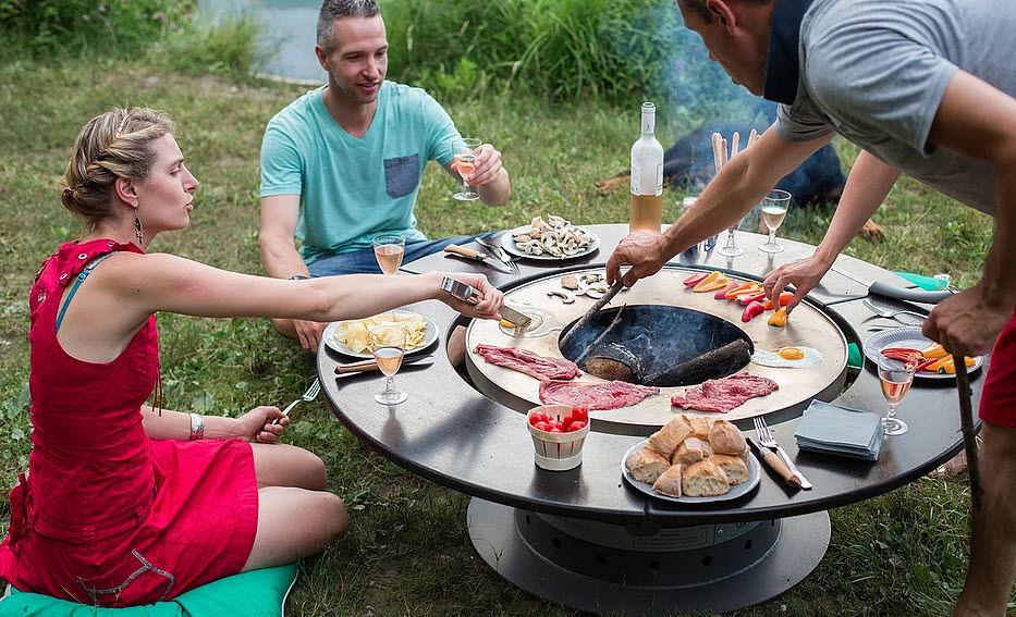 VULX - TABLE BRASERO PLANCHA Tisch mit Feuerstelle Gartentische Gartenmöbel  |