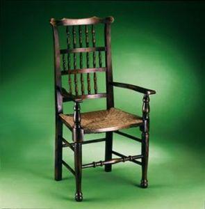 Stuhl mit Korbsitzfläche