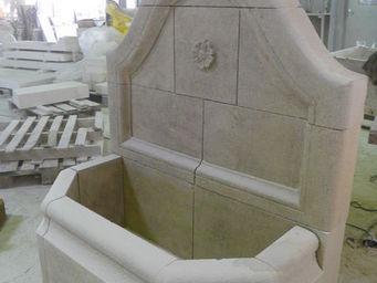 Marbrerie Rouillon -  - Wandbrunnen