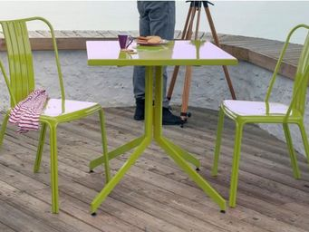 PROLOISIRS - ensemble urban 1 table 2 chaises en aluminium lime - Garten Esszimmer