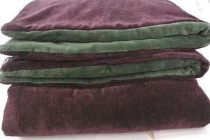 Claire Gasparini - couvre-pieds : sur matelas velours - aubergine / forêt - Matratzenauflage