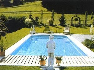 Piscines Charly Menoire -  - Polyester Swimmingpool