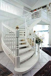 Schody Stadler -  - Viertelgewendelte Treppe