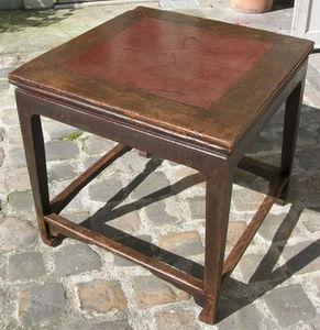Baikal - table en orme et terre cuite - Quadratischer Esstisch