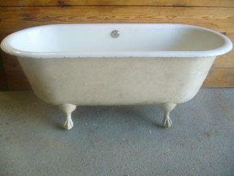 antiquites materiaux anciens deco de jardins - baignoire en fonte - Badewanne Auf Füßen
