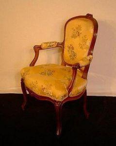 Baron Antiquités - paire de fauteuils cabriolet d'époque louis xv - Armsessel