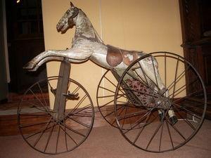 Hippocante - cheval mécanique garnier. - Schaukelpferd