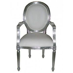 DECO PRIVE - fauteuil cabriolet en bois argente et imitation cu - Medaillon Sessel