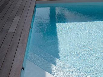 CARON PISCINES - escalier angle - Traditioneller Swimmingpool