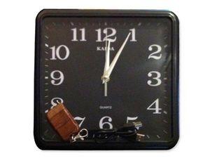 WHITE LABEL - horloge ingénieuse avec caméra et mémoire 4 go cam - Sicherheits Kamera