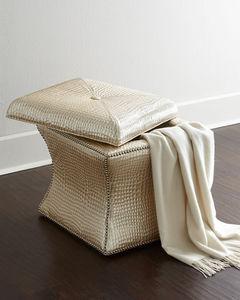 Neiman Marcus -  - Sitzkiste