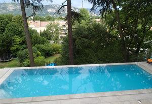 Aquilus Piscines -  - Überlaufschwimmbad