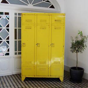 brocante avenue -  - Büro Garderobe