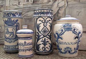 Almaviva - pots d'apothicaire variés - Apothekergefäß