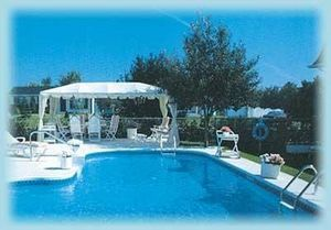 Bleu Passion -  - Traditioneller Schwimmbad