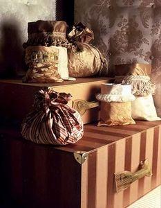 Veraseta - soieries - Kofferschrank