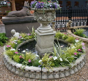 Triton - ragley fountain with 2.7m circular acanthus leaf s - Springbrunnen