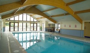 Pinelog - glan gors holiday park, indoor leisure centre, ang - Innenswimmingpool