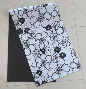 ITI  - Indian Textile Innovation - flowers - Tischläufer