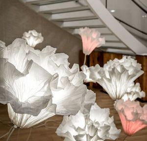 OZNOON - .coralys - Beleuchtete Statue
