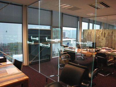 GLASSOLUTIONS France - Innenstufe-GLASSOLUTIONS France-LED IN GLASS