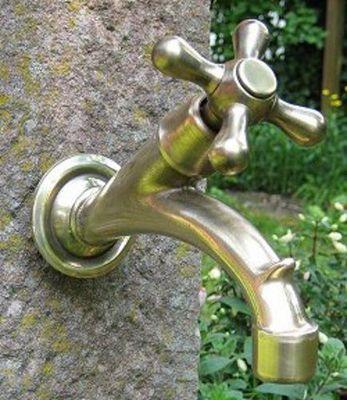 Replicata - Gartenwasserhahn-Replicata-Wasserhahn Kreuzgriff