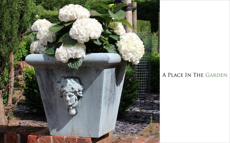 A PLACE IN THE GARDEN Jardinera de flores Macetas Jardín Jardineras Macetas   |
