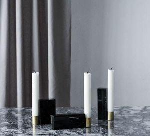 KRISTINA DAM STUDIO - candlesticks square  - Candelero