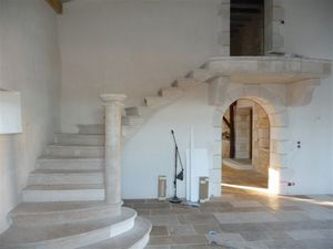 Occitanie Pierres -  - Escalera Con Tramo Curvo