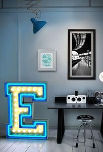 DELIGHTFULL -  - Letra Decorativa