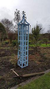 OXFORD PLANTERS -  - Obelisco De Jardín
