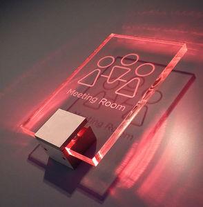 Signbox - £157.51 lumos² - Señalización Luminosa