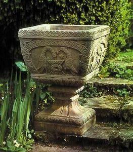 Redwoodstone - byzantine vase - Pilón De Jardín