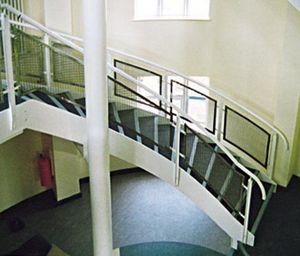 Fire Escapes & Fabrications -  - Escalera Con Tramo Curvo