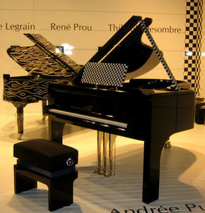 PIANOS PLEYEL - stand m&o 01/2009 - Piano De Media Cola