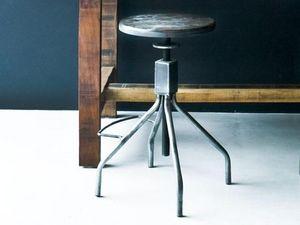 Environmental Street Furniture - 360 stool - Taburete
