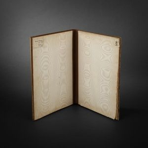 Expertissim - reliure en bronze et biscuit - Porta Documentos