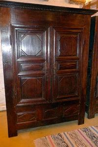 Antiquité Le Berre - armoire louis xiii - Armadio Con Ante A Battente