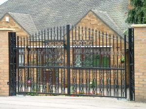 Access Controls - ornate double gates - Cancello