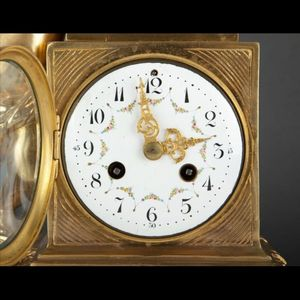 Expertissim - pendule en bronze doré de style louis xvi - Orologio Da Tavolo