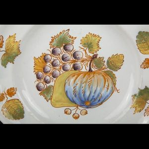 Expertissim - espagne. alcora. assiette à bords contournés - Piatto Decorativo