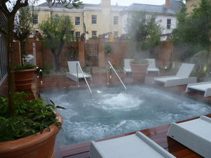 GUNCAST SWIMMING POOLS -  - Vasca Idromassaggio