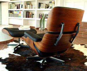Classic Design Italia -  - Poltrona E Pouf
