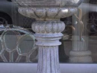La Farfouille - paire de bénitiers en marbre - Acquasantiera